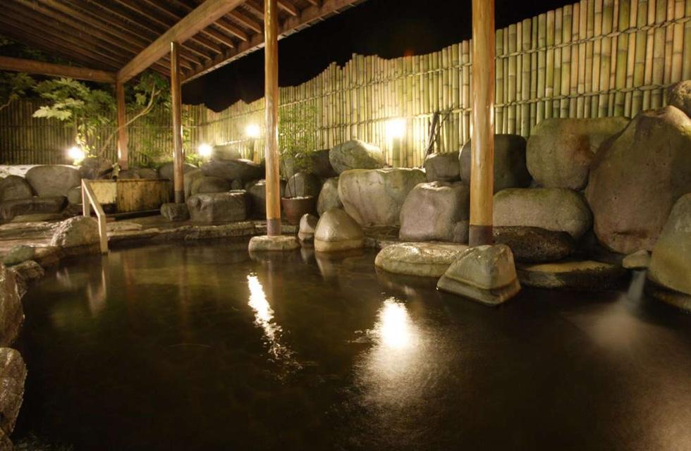 ホテルグリーンプラザ上越では温泉も!