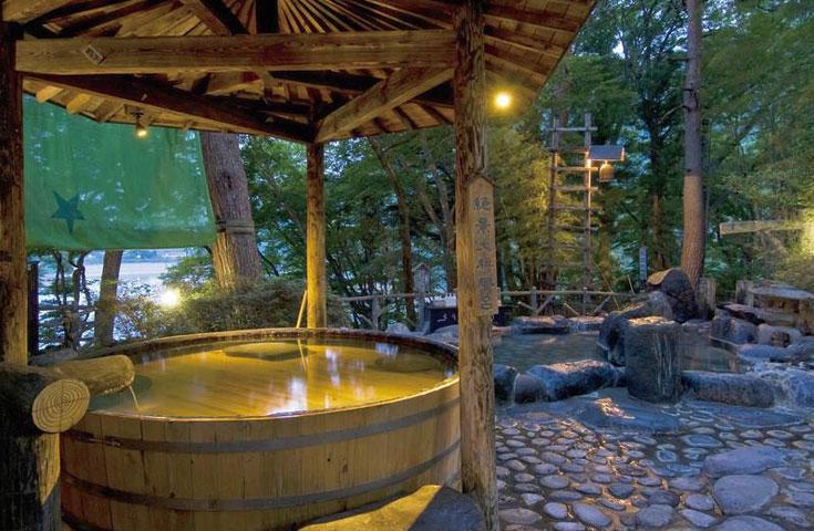 猿ヶ京温泉 ホテル湖城閣。飲泉も出来る源泉掛け流しの湯