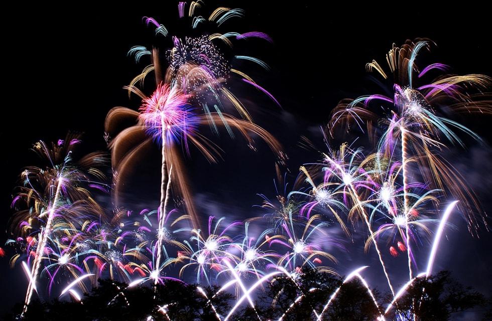 花火は打ち上げ終了までお楽しみいただけます。
