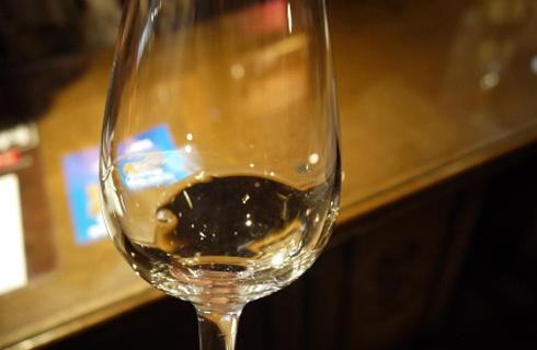 赤富士ワインセラーで本格試飲体験