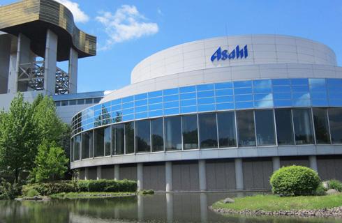 アサヒビール工場で大人の工場見学