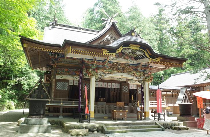 炎を司る神様が鎮座する「宝登山神社」