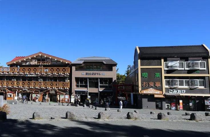 真夏も涼しい!標高2300mの富士山五合目