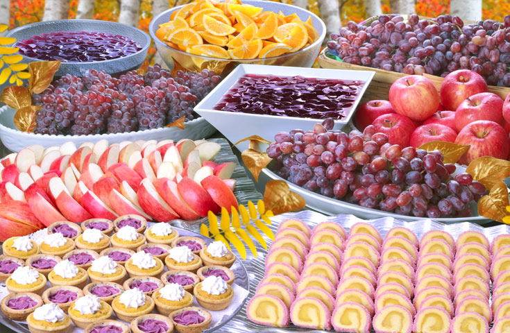 秋の東欧州料理&季節のスイーツを味わえる黄金ランチバイキング