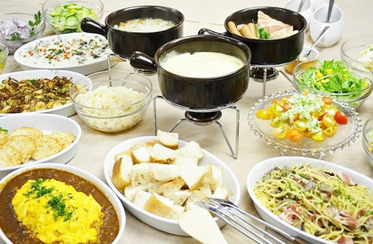 本格的なスイス料理や地元野菜を中心にしたビュッフェ