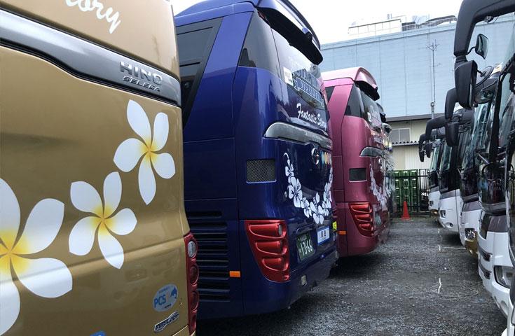 綺麗に並んだ、バスたち