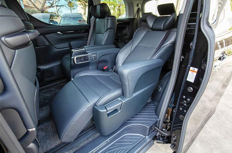 快適な車内(座席は車種により異なります)