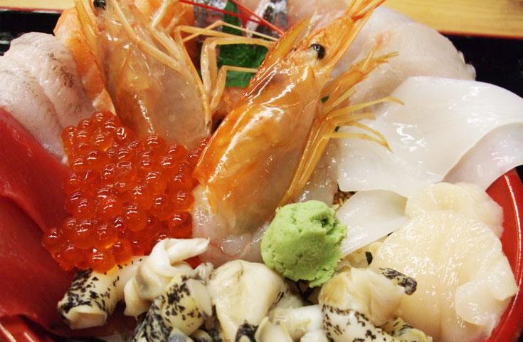 名物「味勝手丼(みがってどん)」(自由昼食)