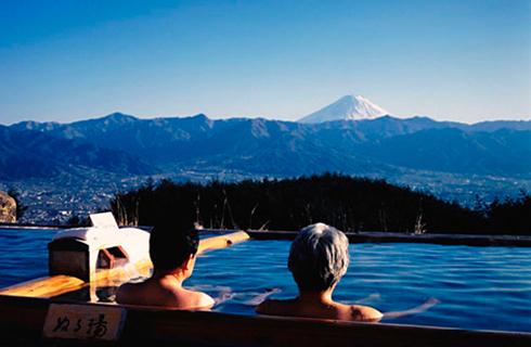 人気の絶景スポット!ほったらかし温泉にご入浴