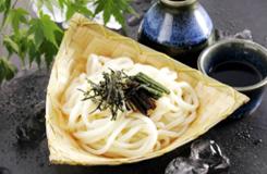 群馬県渋川の名物料理「水沢うどん」