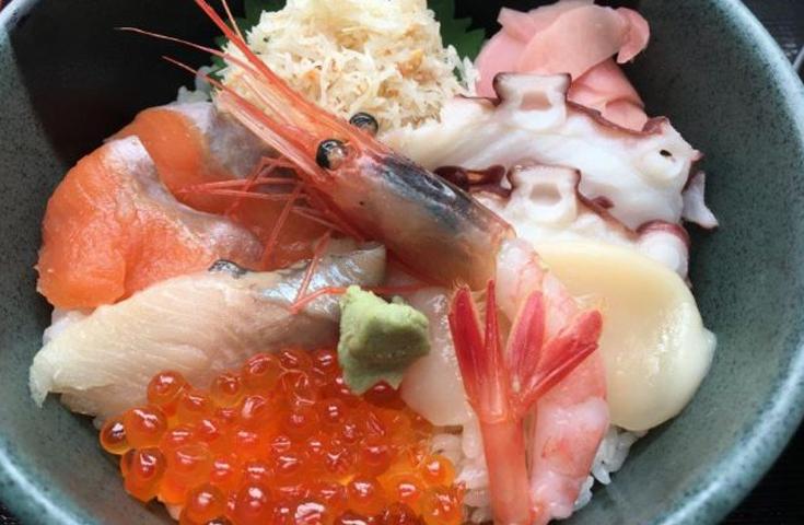 三色海鮮丼&かに汁を食べよう!