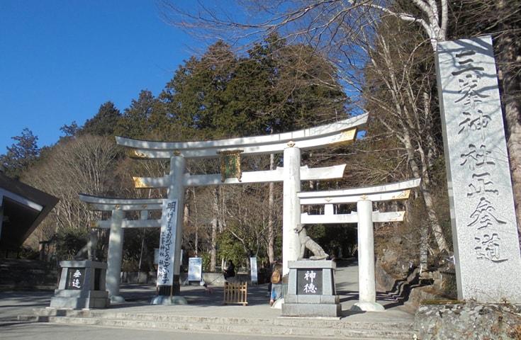 境内も広く、髄身門や本殿以外にも見どころは満載