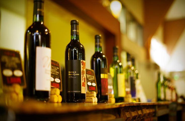 勝沼地区最古のワイナリーでワイン蔵の見学