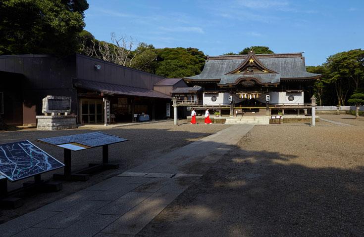 酒列磯前(さかつらいそさき)神社