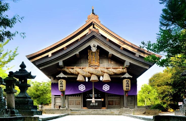 白兎神社は、縁結びのご利益があるといわれているパワースポット