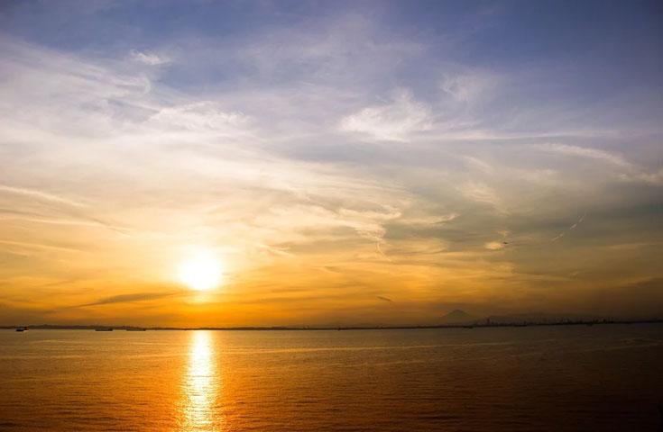 海上の絶景サービスエリア「海ほたる」