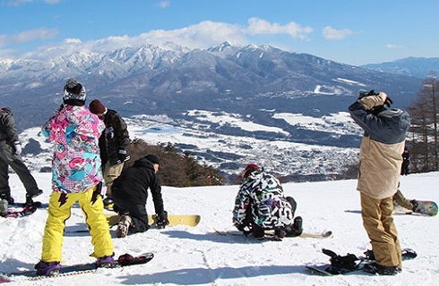 【ご自宅発着】〜ハイヤーでのプライベートな旅〜富士見パノラマリゾートでスキー/スノボード日帰りツアー【リフト1日券付き】