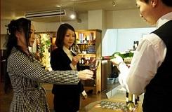 赤富士ワインセラーで地元山梨産ワイン試飲体験♪