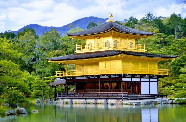 【大阪発】【金閣寺&嵐山&奈良公園】京都・奈良の観光名所を1日で楽しもう♪「京野菜と牛肉のしゃぶしゃぶに舌鼓」