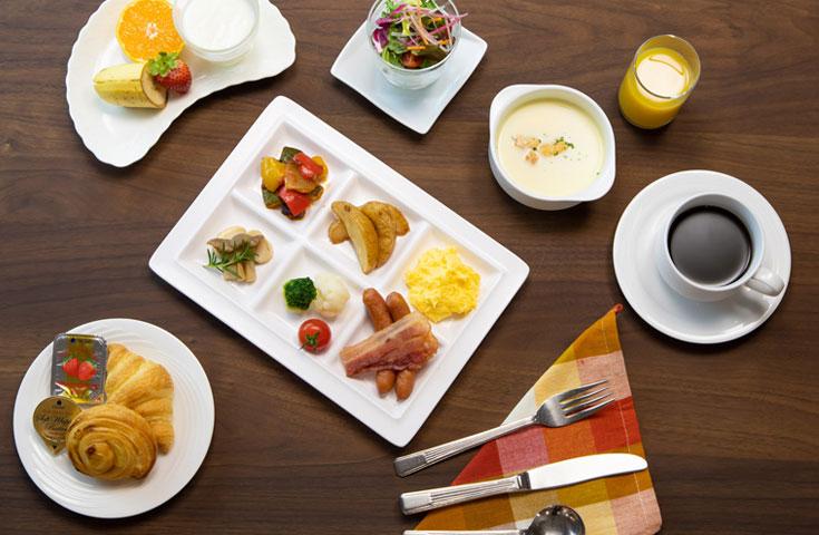 朝食イメージ(お取分け例)